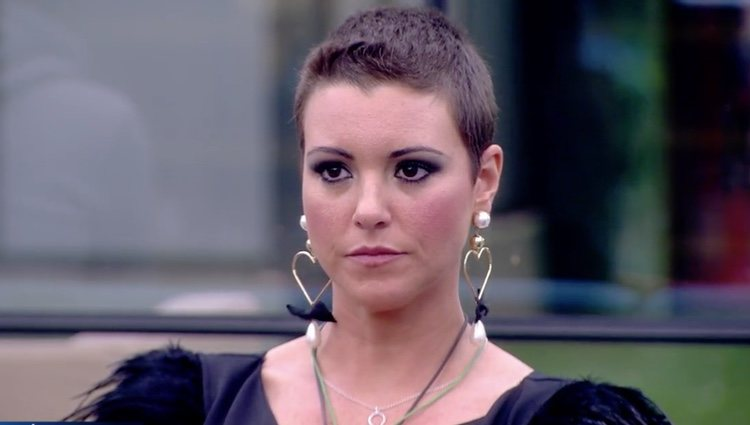 Mª Jesús Ruiz atenta a las palabras de Jordi González en 'GHDÚO'