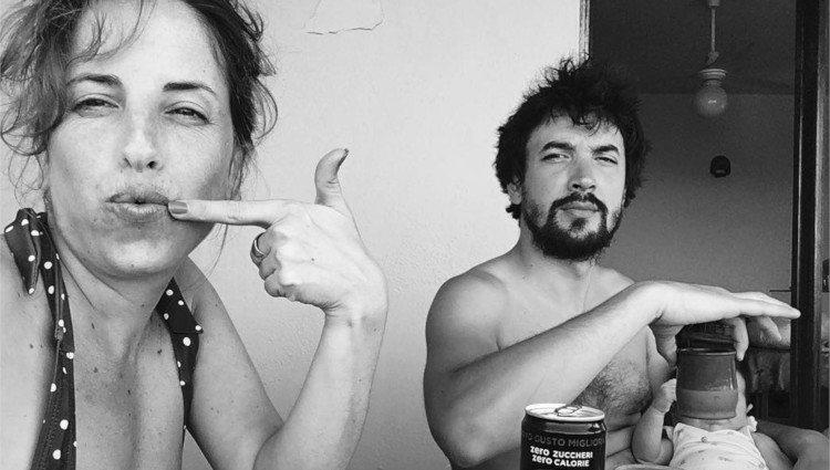 Celia de Molina en una divertida fotografía junto a su pareja y su hijo/Foto:Instagram