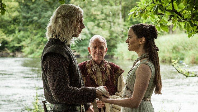 Momento de la boda entre Rhaegar y Lyanna durante la visión de Bran Stark