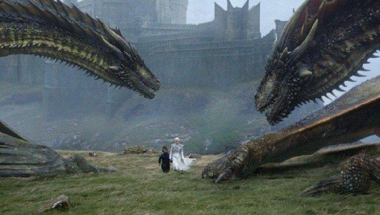 Daenerys parte con sus dragones a salvar a Jon