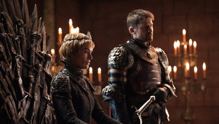 Cercei Lannister en el Trono de Hierro