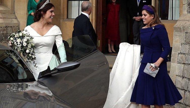 Beatriz de York y Eugenia de York el día de su boda