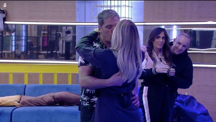 Víctor Sandoval y Anabel Pantoja en 'Sálvame Okupa' | Foto: Telecinco.es