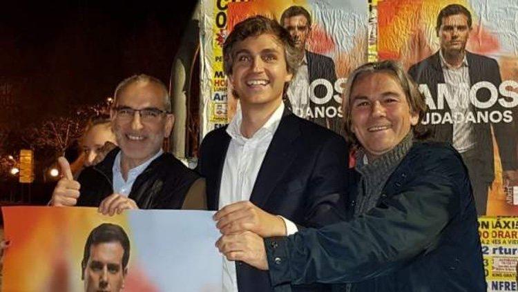 Damián Macías con otros afiliados/ Foto: Twitter