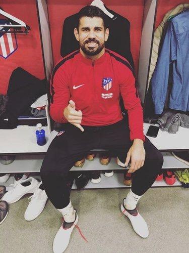 Diego Costa antes de salir a un partido de fútbol l Instagram