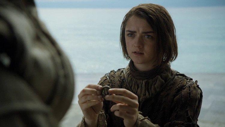 Arya Stark entrega la moneda de hierro para llegar a Braavos