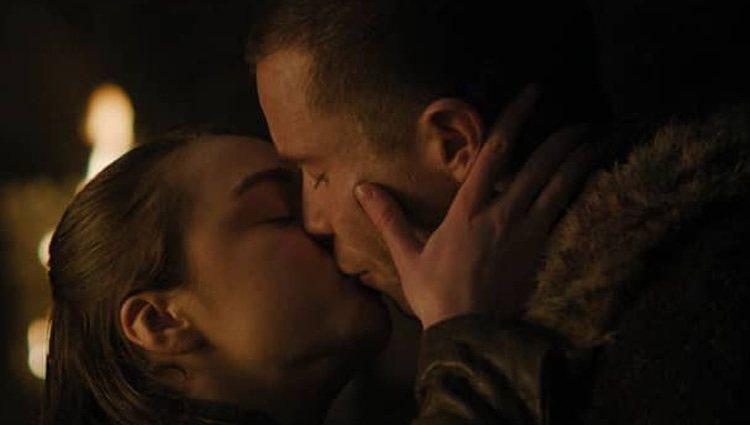 Escena del beso entre Arya y Gendry
