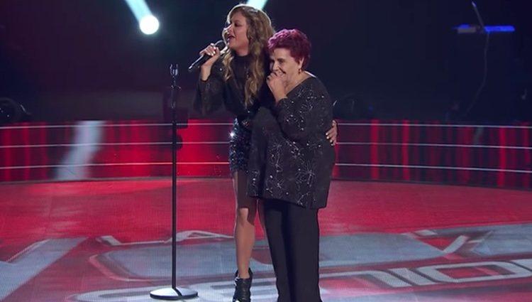 Paulina Rubio sube al escenario con Gema Berrio Foto: Antena 3