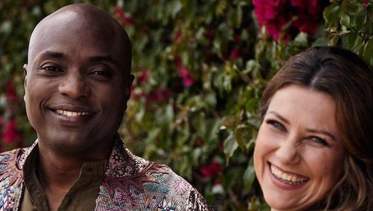 Marta Luisa de Noruega muy sonriente con su novio Durek Verrett