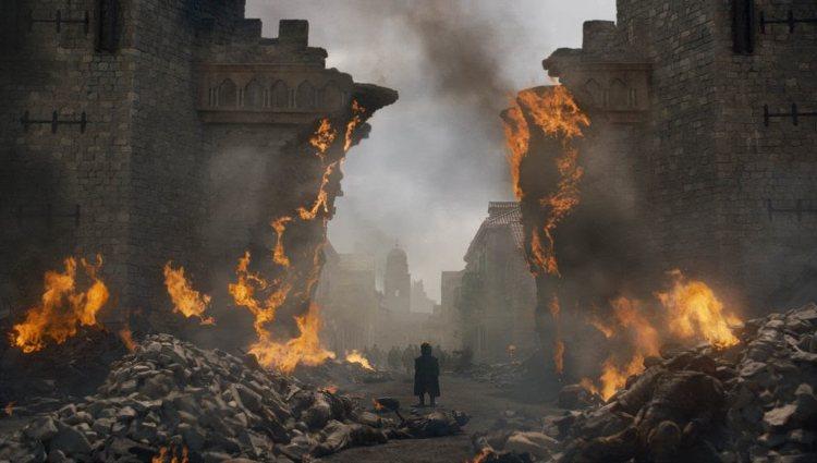 Tyrion contempla la destrucción de Desembarco del Rey