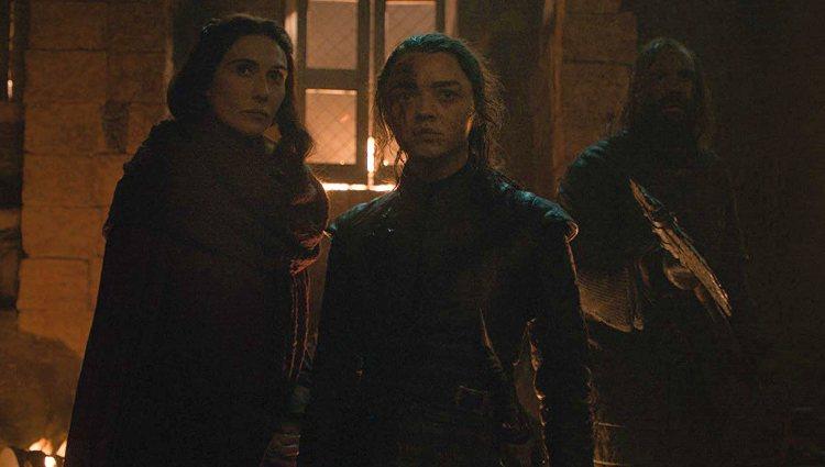 Melisandre, Arya y El Perro durante la Gran Guerra