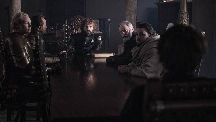 Bronn de Aguasnegras con el Consejo Real del Rey Bran
