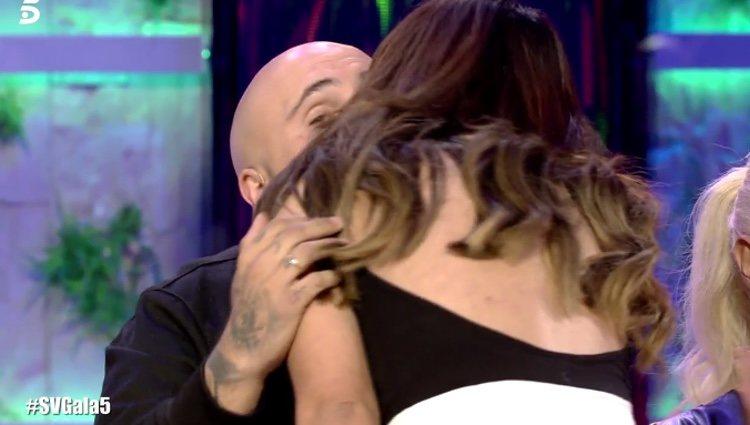 Chabelita saludando a su hermano / Telecinco.es