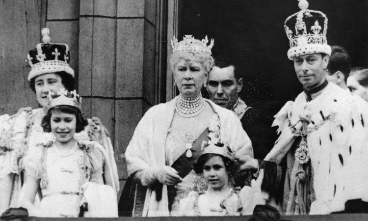 La Familia Real Británica en la coronación del Rey Jorge VI | Pinterest