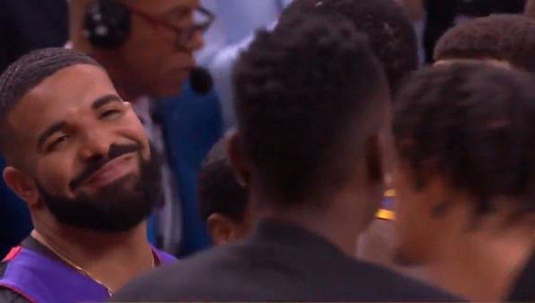 Drake durante la discusión con Draymond Green