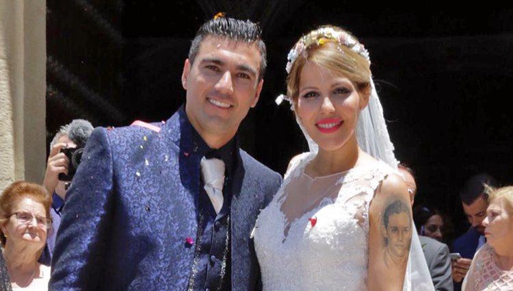 Reyes junto a su mujer el día de su boda