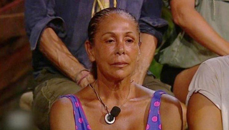 Isabel Pantoja muy seria en la palapa / Telecinco.es