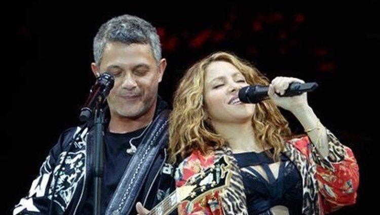Shakira con Alejandro Sanz durante su concierto/ Foto: Instagram