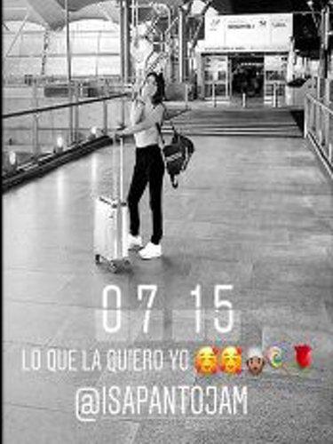 Asraf despidiéndose de Chabelita Pantoja en el aeropuerto   Foto: Instagram