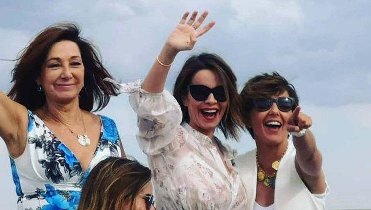 Ana Rosa Quintana, Carme Chaparro y Sonsoles Ónega de fiesta/ Foto: Instagram
