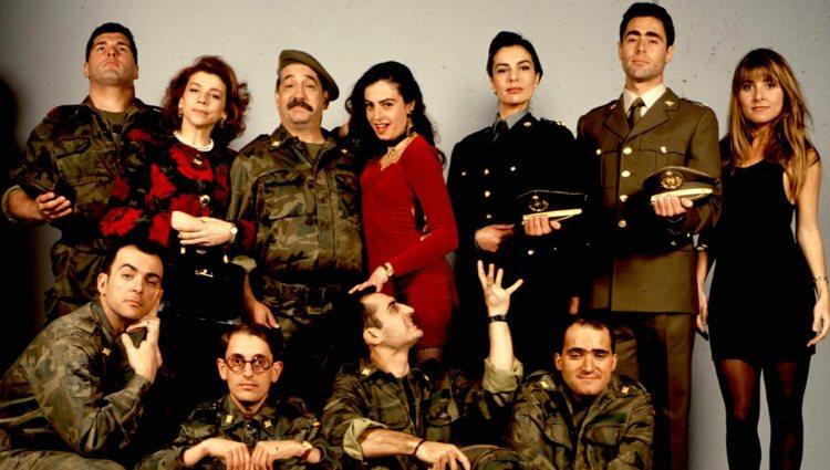 Cayetana Guillén Cuervo y el resto del reparto de 'Historias de la puta mili' | telecinco.es