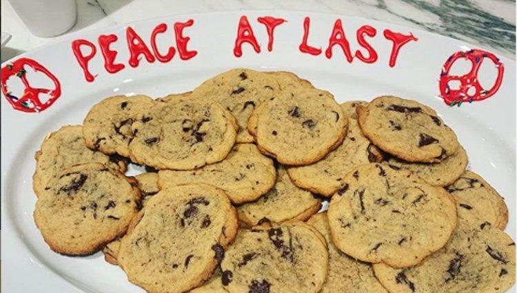Taylor Swift le manda galletas de la paz a Katy Perry | Foto: Instagram