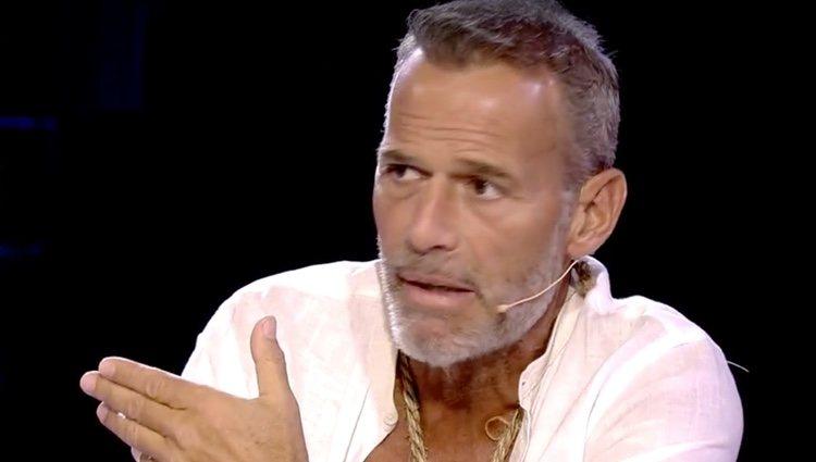 Carlos Lozano se explica en 'Conexión Honduras' / Foto: Telecinco.es