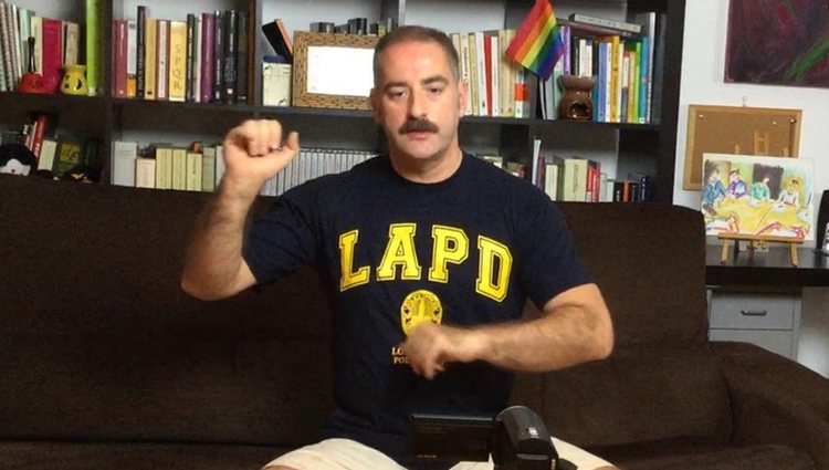 El escritor tiene un canal de youtube donde informa y hace pedagogía de la homosexualidad | Instagram