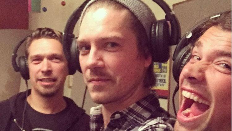 Los hermanos Hanson en el estudio de grabación/Foto:Instagram