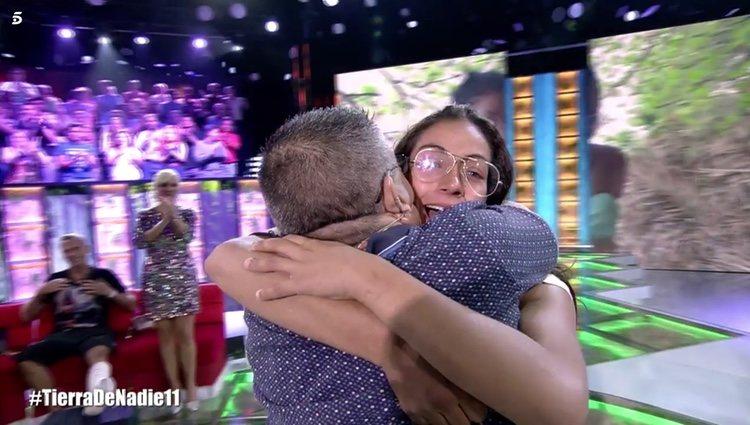 Dakota Tárraga se reencuentra con su padre tras regresar de 'Supervivientes 2019' Foto: Telecinco