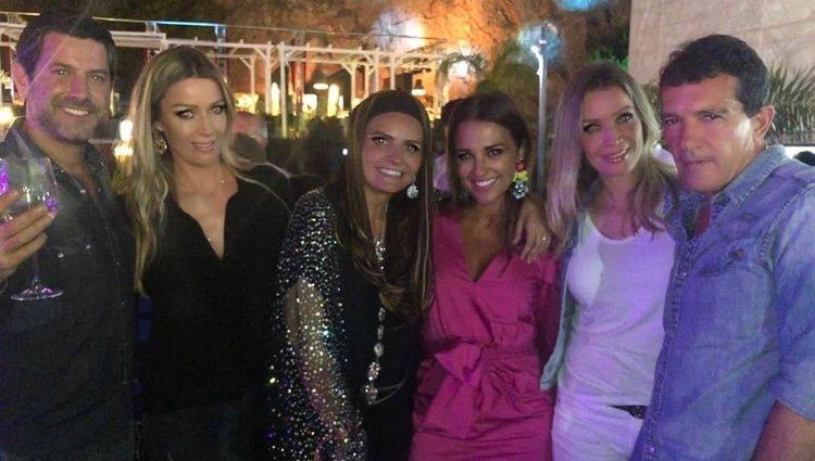 Paula Echevarría junto a Antonio Banderas y Nicole Kimpel / Foto: Instagram
