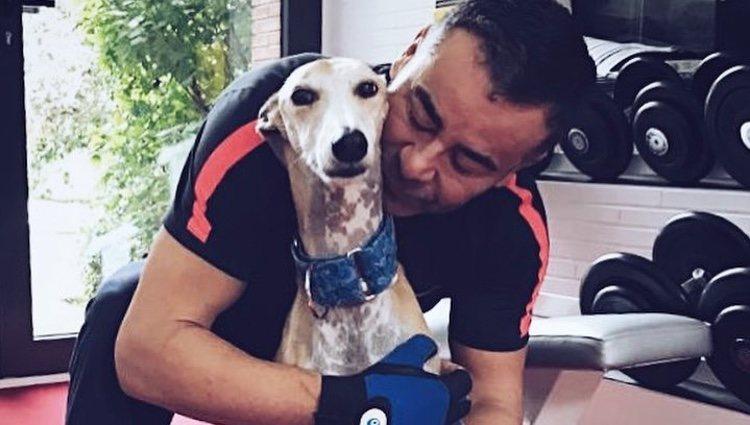 Jorge Javier Vázquez con Travis | Instagram