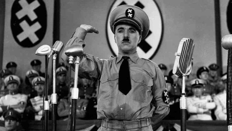 Charles Chaplin en la película 'El gran dictador'