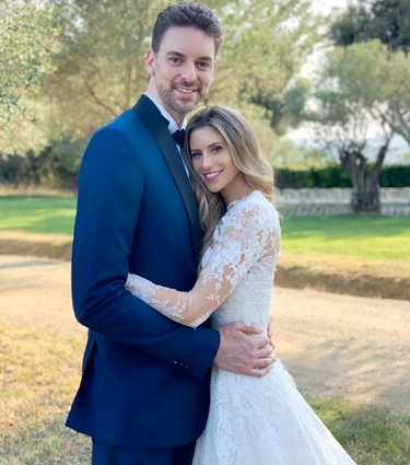 Pau Gasol y Cat McDonnell en su boda