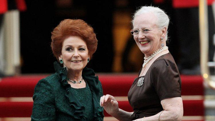 Lady Elizabeth Anson con la Reina Margarita II de Dinamarca | Pinterest
