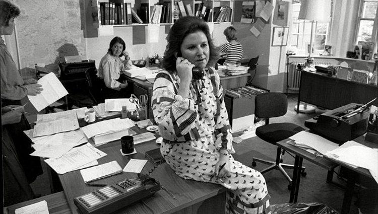 Lady Elizabeth Anson en su oficina en los años 60   Party Planners