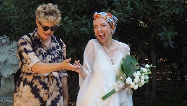 Mayra del Pilar con Tania Llasera el día de su boda/ Foto: Instagram