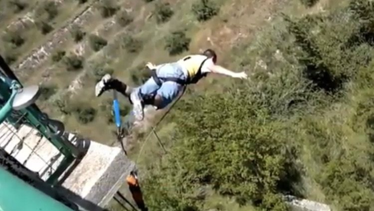 Ruben Carbonell en otra ocasión saltando en paracaídas / Foto: YouTube