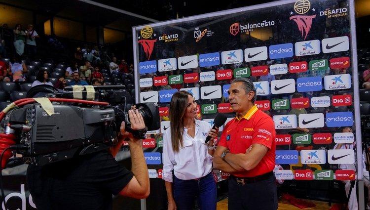 Mª Victoria Albertos durante una de sus entrevistas
