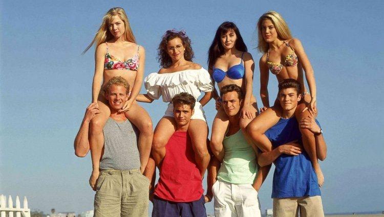 Reparto de la exitosa serie de los 90 'Sensación de Vivir'