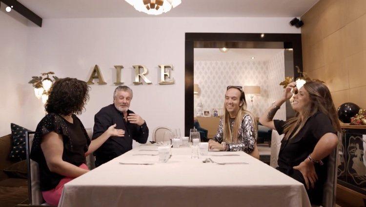 Rosa López le pregunta a Francisco si tiene hermanos en 'Ven a cenar conmigo: Gourmet Edition' Foto: Cuatro