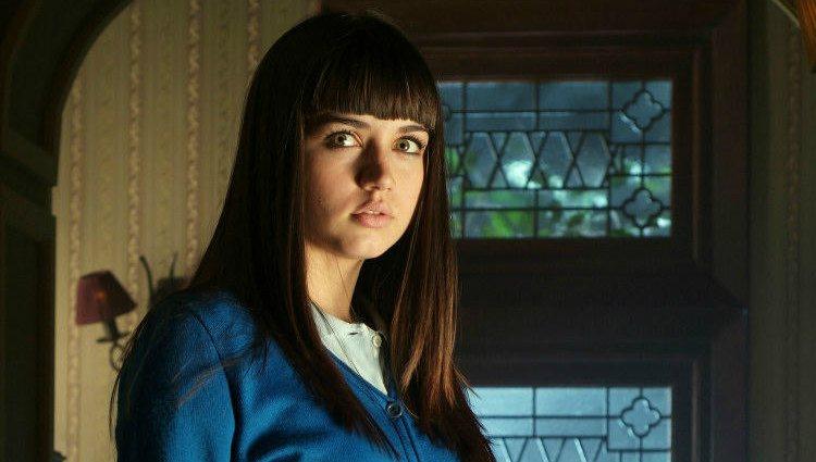 Ana de Armas como Carolina Leal en la serie 'El internado' | atresmedia.com