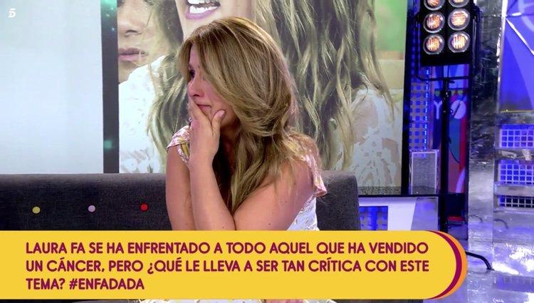 Laura Fa se rompe en directo en 'Sálvame' tras hablar de el cáncer de tiroides que padeció con 28 años Foto: Telecinco