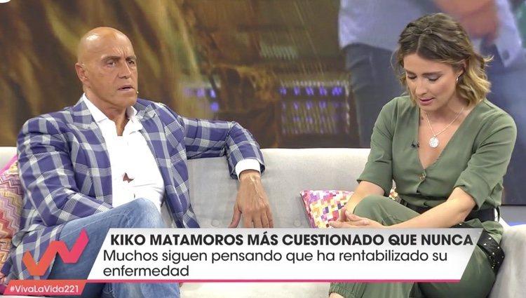 Kiko Matamoros y Sandra Barneda hablando del tema | Foto: telecinco.es