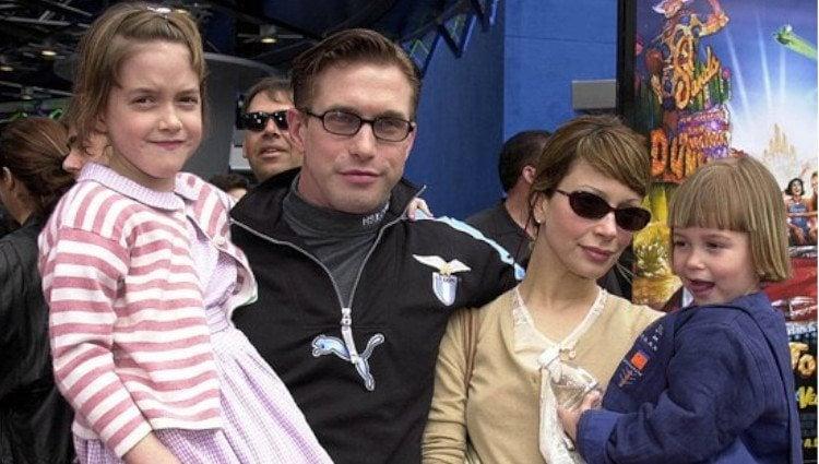 Hailey y Alaia Baldwin junto a sus padres cuando eran pequeñas/Foto:Instagram