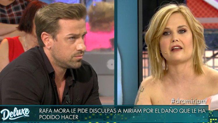 Miriam Sánchez y Rafa Mora se ven las caras en 'Sábado Deluxe'/Foto:Telecinco
