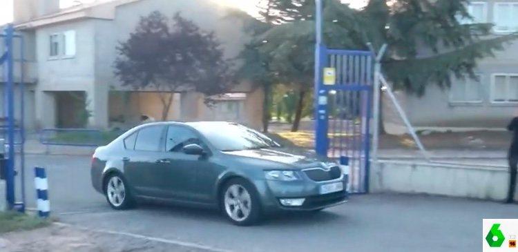 Iñaki Urdangarin saliendo de la cárcel de Brieva