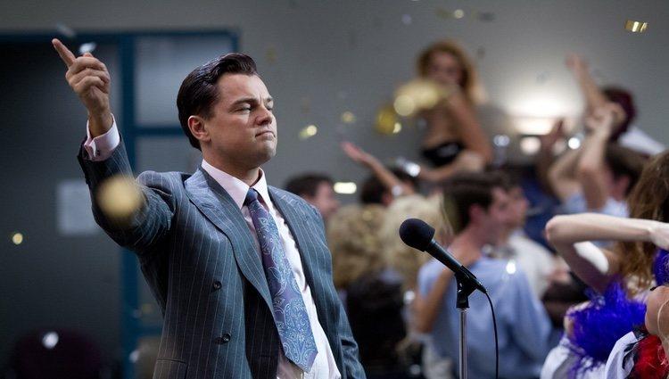 Leonardo DiCaprio en un fotograma e 'El lobo de Wall Street'
