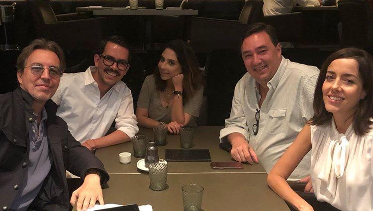 Manolo Caro y Cecilia Suárez cenando con amigos | Instagram