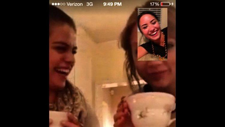 Selena Gomez y Taylor Swift haciendo videollamada con Demi Lovato   Instagram